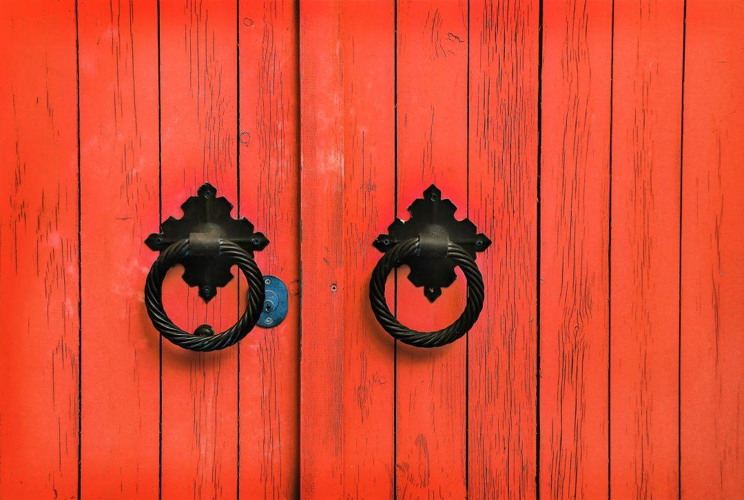 Derrière ma porte... ©-Dinadesign